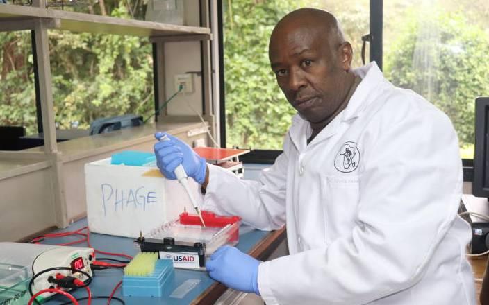 Tony Elumelu Entrepreneur and Scientist in HIV gel, Peter Mwethera gets top honour